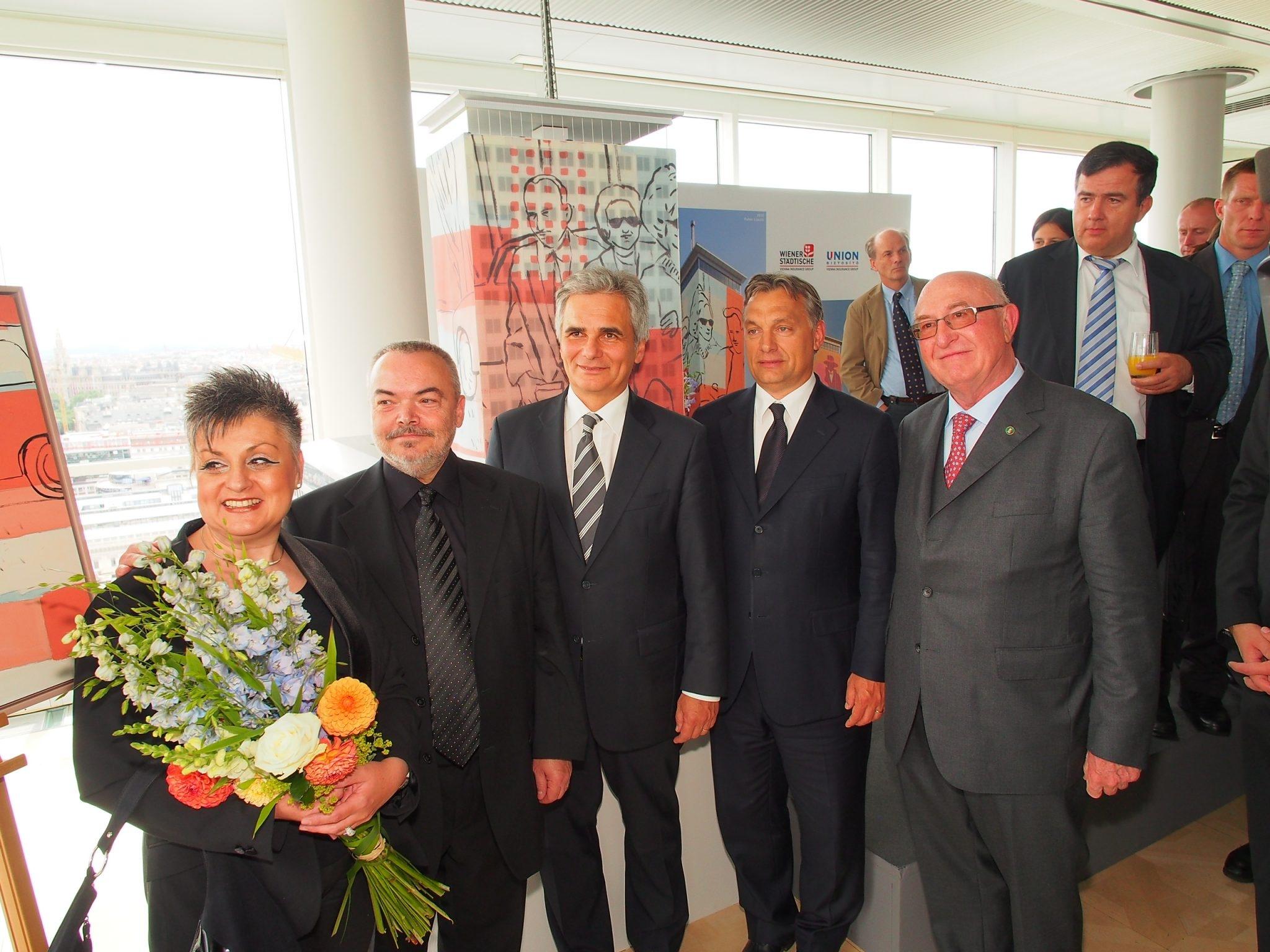 On the picture from left to right: Edit Fehér, artist László Fehér, Federal Chancellor Werner Faymann, Hungarian Prime Minister Viktor Orbán and Wiener Städtische CEO Günter Geyer. © Zach-Kiesling