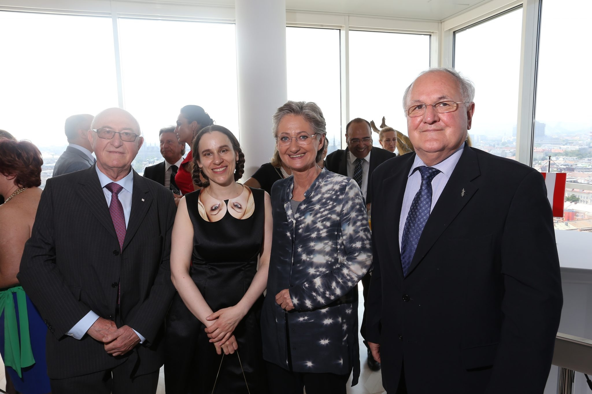 On the picture from left to right: Günter Geyer (chairman of the managing board of Wiener Städtische Versicherungsverein), artist Dorota Sadovská, Claudia Schmied (Federal Minister for Education, Art and Culture) and Dušan Čaplovič (Minister for Education, Youth and Sport of the Slovak Republic) © Roman Zach-Kiesling