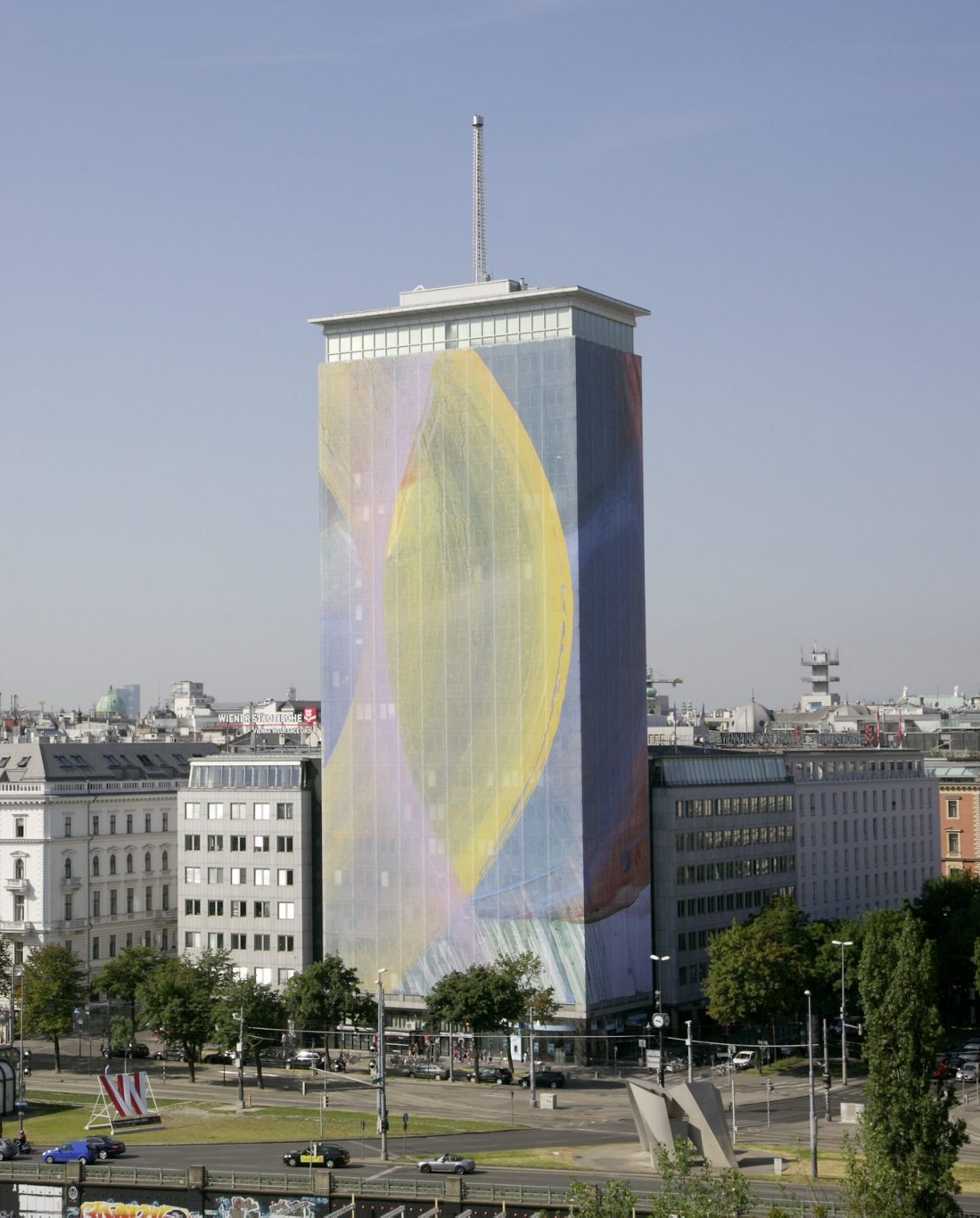 Arnulf Rainer's artistic wrapping of the Ringturm 2014: