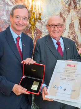 """""""Goldene Ehrennadel der Wirtschaftskammer Österreich"""""""