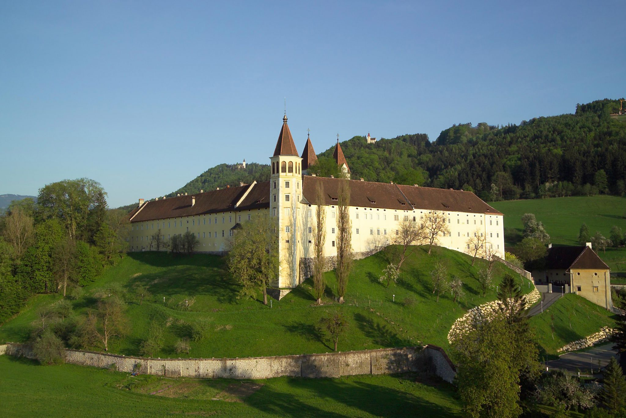 Benedictine monastery in Carinthia's Lavanttal region (Exterior view ) © Stift St. Paul