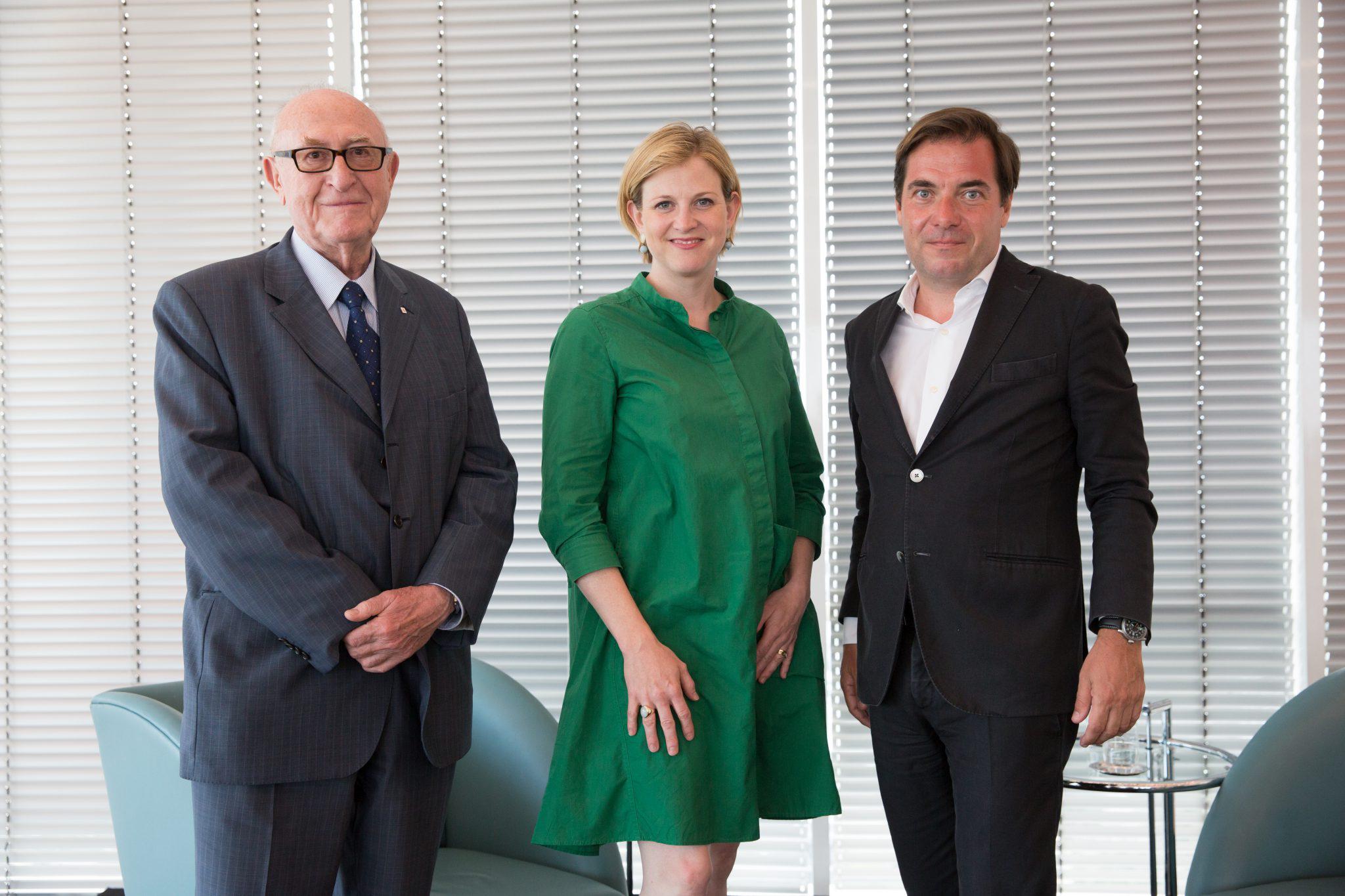 """""""Gespräch im Turm"""" with (from left) Dr. Günter Geyer, Chairman of the Managing Board of Wiener Städtische Versicherungsverein, NEOS-Chairwoman Beate Meinl-Reisinger and """"Die Presse"""" chief editor Rainer Nowak. © Stanislav Kogiku"""